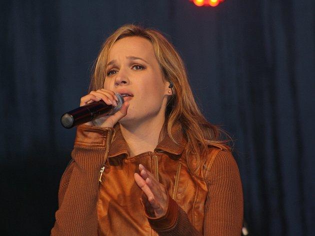 V Karviné se v sobotu konalo tradiční lázeňské vinobraní. zazpívala tam mj. slovenská zpěvačka Kristína.