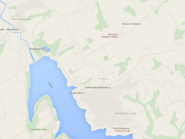Střediska Zátoka a Ferdinand mají být na břehu Žermanické přehrady, podle mapy jsou ale ve 'vnitrozemí'.