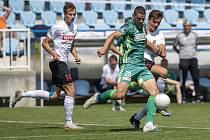 Fotbalisté Karviné vyhráli zápas 3. kola MOL Cupu s Chrudimí 1:0. Na archivním snímku v zeleném karvinský útočník Kacper Zych (číslo 28), který duel ve 45. minutě rozhodl.
