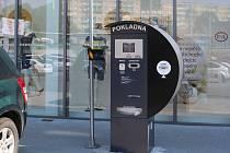 Parkovací automat u OC Rotunda v Havířově.