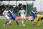 Derby mezi Karvinou a Frýdkem-Místkem (v modrém) přineslo jediný gól.