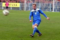 Havířovští fotbalisté (v modrém) prohráli nečekaně s Opavou B.