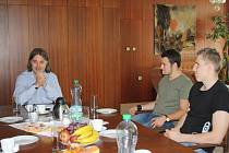 Nový děkan Obchodně podnikatelské fakulty v Karviné Pavel Tuleja zavedl po svém nástupu pravidelné snídaně se studenty.