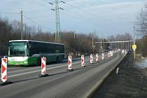 Kvůli několika tragickým nehodám byla doprava v Lazecké ulici zpomalena.