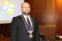 Ustavující zasedání Zastupitelstva města Havířova. Primátor Josef Bělica.