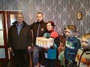 Zásilka mouky pro nejchudší v ukrajinském Mukačevu.