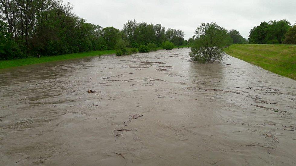 Velká voda na řece Olši v Karviné 23. 5. 2019.
