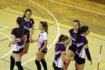 Volejbalové juniorky Karviné zatím kralují soutěži.