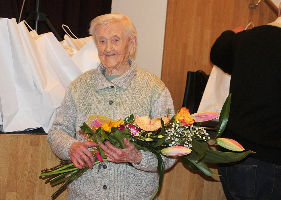 V Rychvaldu proběhlo v pátek setkání vedení města s letošními jubilanty. Byla mezi nimi také Marie Horáková, které bude letos v červnu 101 let.