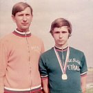 Rok 1975 a Rostislav Veteška (vpravo) se stává mistrem ČSSR mladšího dorostu. Na snímku s trenérem Karlem Kempným.