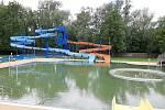 Přípravy na otevřené letního koupaliště v Havířově finišují. Modernizací prošel plavecký bazén, který dostal nerezovou vanu.