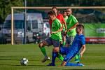 Petrovičtí fotbalisté (v zeleném) se bodů nedočkali ani ve vloženém kole krajského přeboru. Prohráli s Břidličnou 1:4.
