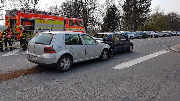 Srážka dvou osobních automobilů vHavířově.