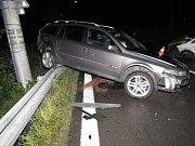 Nehoda osobních vozidel v Těrlicku.