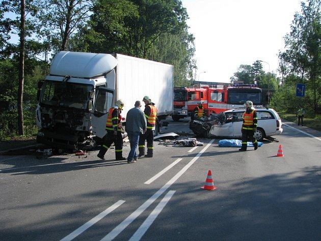 Tragická dopravní nehoda na Orlovské ulici v Havířově.