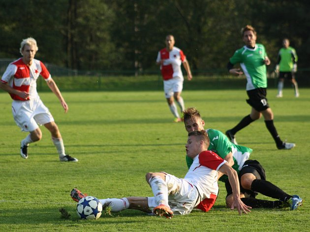 Orlovští fotbalisté svedli v MSFL další těžký boj, ale zaslouženě vyhráli.