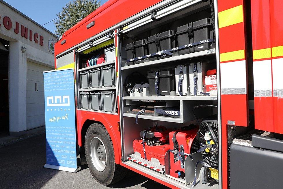 Dobrovolní hasiči z Havířova-Města mají k dispozici nový vůz od města.