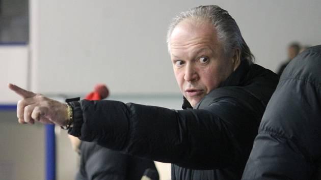 Aleš Flašar opouští na čas hokejové prostředí. Trénuje totiž extraligové hokejbalisty Karviné!