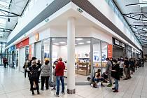 Slavnostní otevření nové prodejny Xiaomi v nákupním centru Korso v Karviné, 6. června 2021.