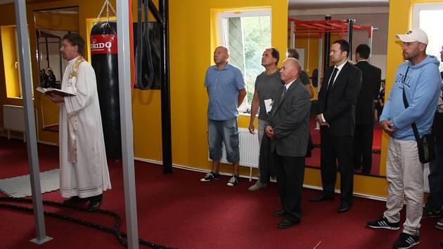 Slavnostní zahájení sportovní provozu ubytovny spojené se svěcením posilovny v havířovské vzpěračské hale.