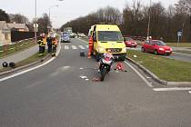 Místo nehody motocyklu a chodce v Petřvaldě.