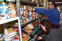 ADRA pořádala sbírku oblečení a potravin.