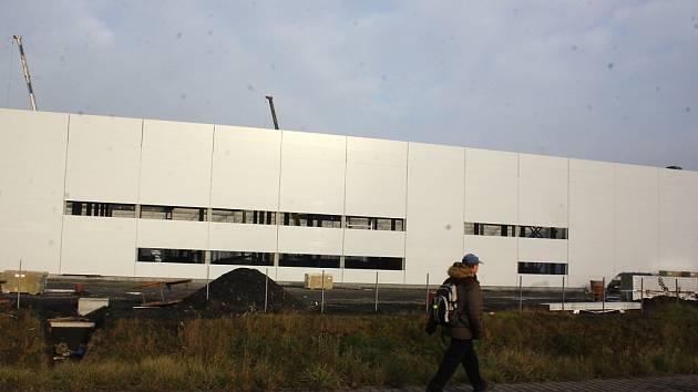Stavba nové výrobní haly.