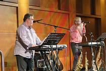 Velkému zájmu publika se těšil nedělní koncert muzikantské dvojice Duo Romantika.