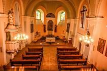 Interiéry kostela sv. Petra z Alkantary v Karviné-Dolech.