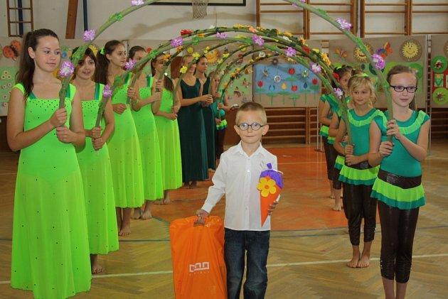 Slavnostní zahájení školního roku a vítání prvňáčků vhavířovské ZŠ F. Hrubína.