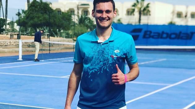 Orlovský tenista Piotr Matuszewski.