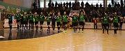 Házenkáři Karviné (v zeleném) porazili Duklu i potřetí a jsou ve finále.
