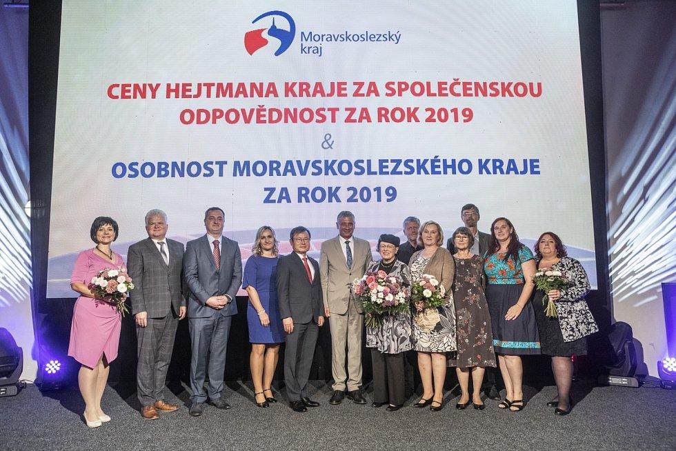 V ostravských Dolních Vítkovicích byly vyhlášeny Ceny hejtmana kraje za společenskou odpovědnost.  Také byl udělen titul Osobnost Moravskoslezského kraje. Ten si převzala zakladatelka sborového studia Permoník Eva Šeinerová.