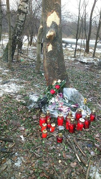 Místo tragické dopravní nehody BMW na Lazecké ulici vOrlové.