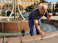 Náklady na provoz kašen a fontán zvyšuje také nutnost oprav škod, které napáchali vandalové. Ilustrační snímek.