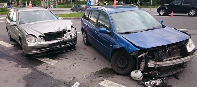 Dopravní nehoda na Hlavní třídě vcentru Havířova.