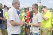 Karel Kula byl stejně jako před rokem v Bohumíně přítomen a nejlepším hráčům i týmům Turnaje vítězů MSKFS předal ceny a pamětní medaile.