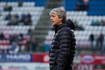 Trenér Jozef Weber se v březnu vrátil na lavičku Karviné, se kterou poskočil o jednu příčku, na konečné 12. místo.