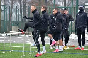 Fotbalisté Karviné už se připravují na pokračování ligy. První trénink absolvovali v úterý 5. ledna pozdě odpoledne.