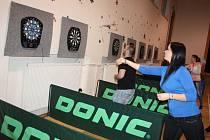 Celkem 18 párů se utkalo na letošním ročníku turnaje v šipkách v Chotěbuzi.