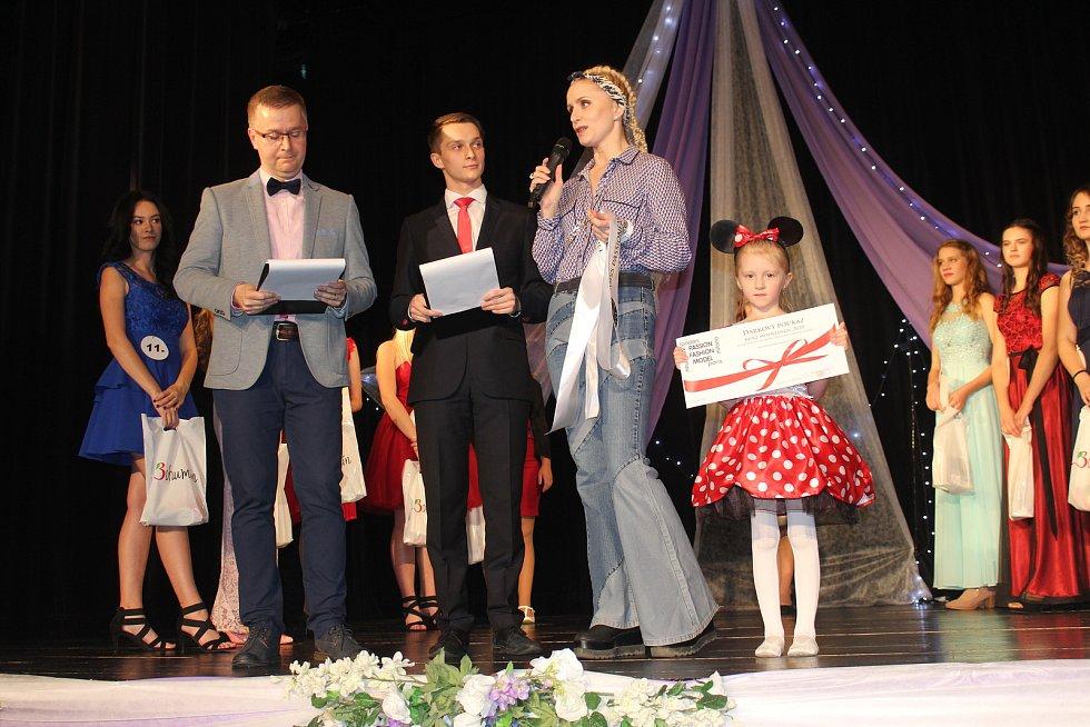 V Bohumíně se konalo finále Miss Karkulka 2019. Vítězkou se stala Valérie Kaňová z Havířova.
