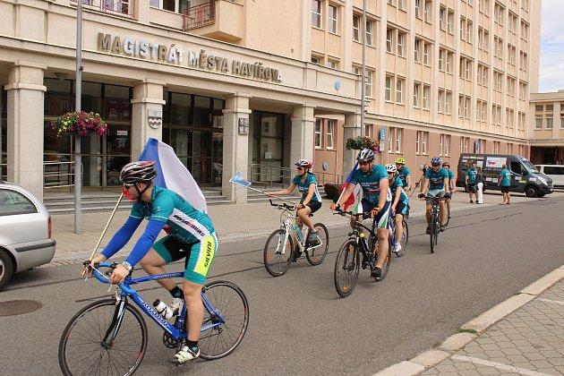 Zastávka tradičního Cyklo-běhu proti drogám v Havířově.