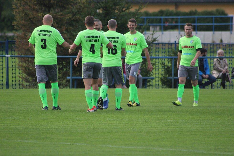 Celkem desetkrát se mohli radovat fotbalisté Petrovic v duelu s Šenovem.
