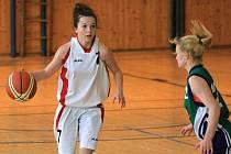 Mladé basketbalistky si vedly výborně.