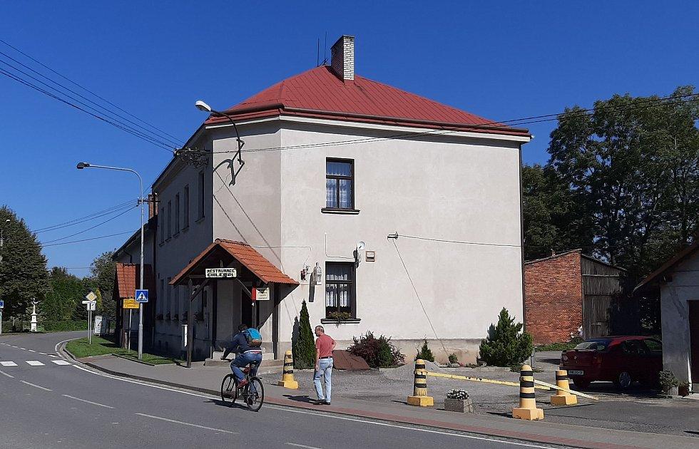 Bohumín-Šunychl. Klidná městská část, kde se rozkládá i Kališovo jezero, centrum letní příměstské rekreace. Restaurace u Chlebiků je už roky zavřená.