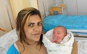 Maminka Maria Tokárová z Orlové 19. března porodila dcerku Sofii. Po porodu holčička vážila 2770 g a měřila 46 cm.