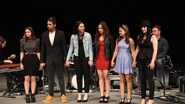V Karviné se konalo finále 12. ročníku pěvecké soutěže Karvinský talent.