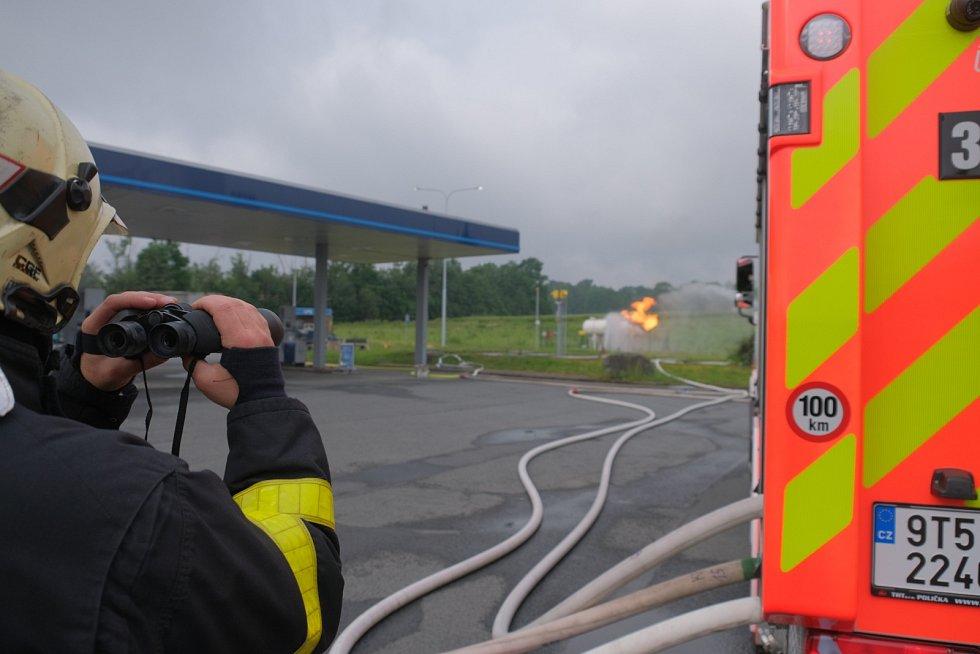 Požár benzinky v Českém Těšíně.