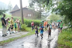 Běh na Lysou horu doprovázejí již tradičně dopolední běhy dětí či Nordic walking.