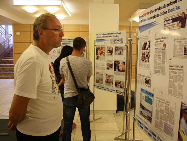 Výstava k 15 letům Moravskoslezského kraje se nyní zastavila v Karviné.